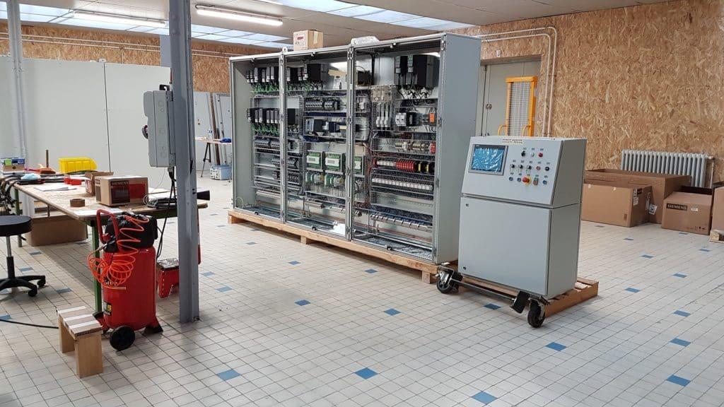 Armoire électrique d'une machine industrielle